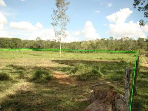 Foto 2 - Visão lateral do terreno